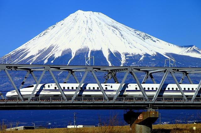 富士山と新幹線富士川にて