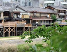 京都鴨川『納涼床』
